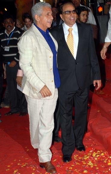 Naseeruddin Shah and Dharmendra