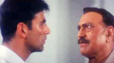 Akshay Kumar and Amrish Puri in Police Force