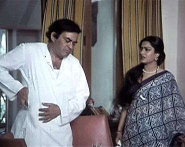 Sanjeev Kapoor and Moushumi Chatterjee in Angoor