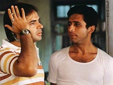 Farooque Shaikh and Naseeruddin Shah in Katha