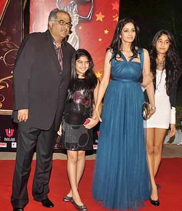 Boney Kapoor, Khushi, Sridevi and Jhanvi