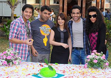 Shreyas Talpade, Sagar Ballary, Minissha Lamba, Tusshar Kapoor and Pia Trivedi
