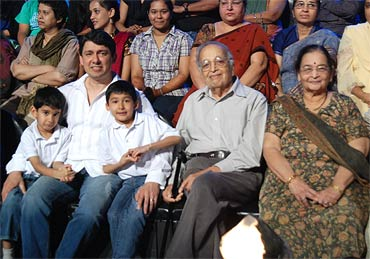 Madhuri's family: Husband Sriram Nene with sons Arin and Ryan, and her parents