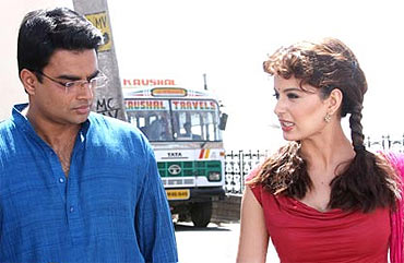 R Madhavan and Kangna Ranaut in Tanu Weds Manu