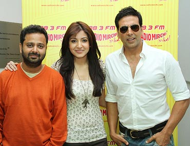 Akshay Kumar, Anushka Sharma and Nikhil Advani