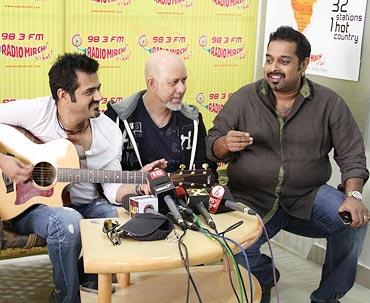 Eshaan Qureshi, Loy Mendonca, Shankar Mahadevan