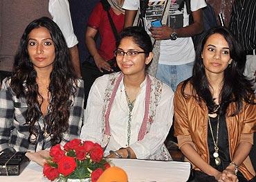Monica Dogra, Kiran Rao and Kriti Malhotra