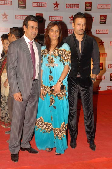 Ronit Roy with wife Neelam Singh and Rohit Roy