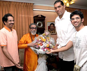 Uddhav Thackeray, Bal Thackeray, The Great Khali and Aditya Thackeray