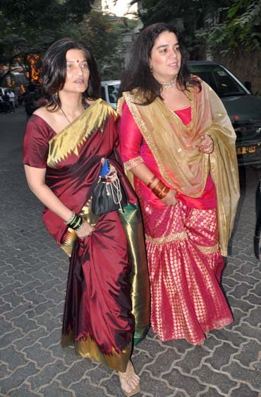Sarika and Reena Dutta