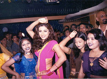 A scene from Chandni Bar