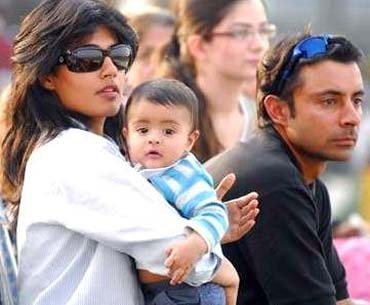 Chitrangada Singh and Jyoti Randhawa with their son