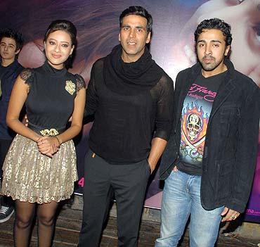 Maddalsa Sharma, Akshay Kumar and Nilesh Sahay
