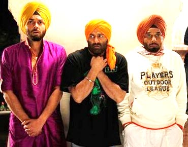 A still from Yamla Pagla Deewana