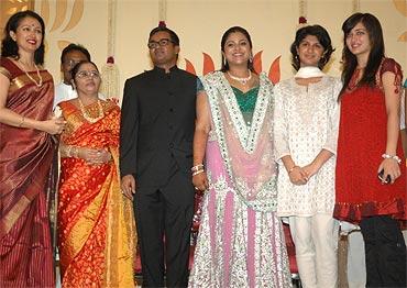 Bridal couple with Gowthami, her daughter Subbulakshmi, Kamal Haasan's daughter Akshara and guests