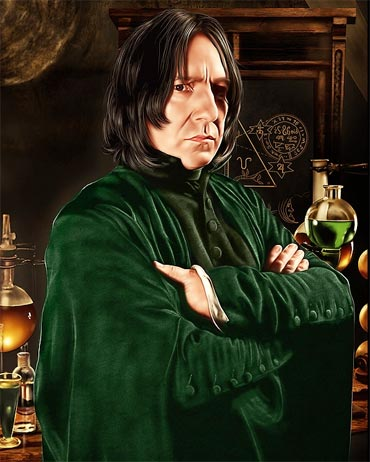 Professor Snape creates the Sectumsempra curse
