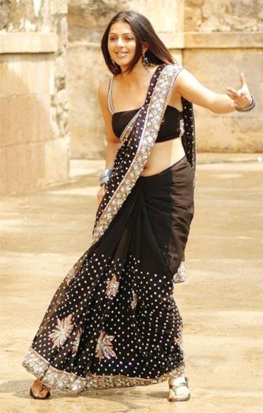 Bhoomika Chawla in Naa Style Veru