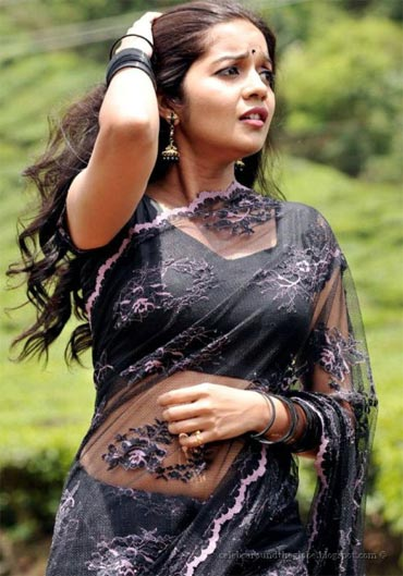 Swati in Kalavaramaye Madilo