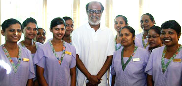 Rajnikanth with the nurses at the hospital