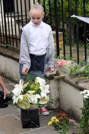 Vigil outside Amy Winehouse' residence