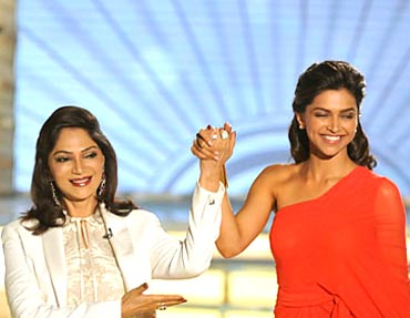 Simi Garewal with guest Deepika Padukone
