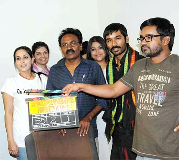 Aishwarya and Dhanush with the film's unit