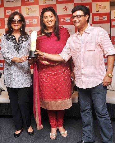 Zeenat Aman, Smriti Irani and Sachin Pilgaonkar