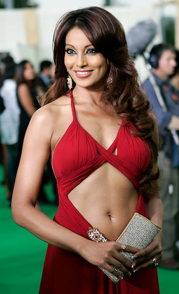 The sexiest IIFA appearance - The sexiest IIFA appearances by bollywood actresses