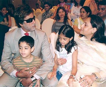 Amitabh Bachchan, Agastya Nanda, Navya Naveli, Jaya Bachchan