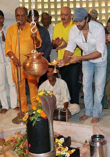 Hrithik's grandfather J Om Prakash, father Rakesh Roshan and Hrithik