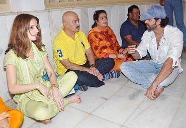 Sussanne, Rakesh Roshan, Sunaina with husband Mohan Nagar and Hrithik