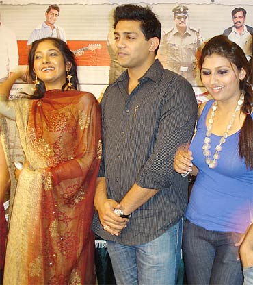 Yagna Shetty, Raghu Mukherjee and Neethu at the launch of Panchamrutha