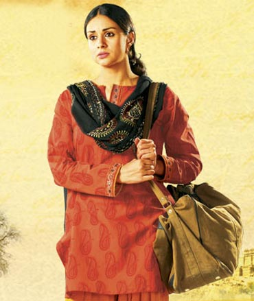 Gul Panag in Dor