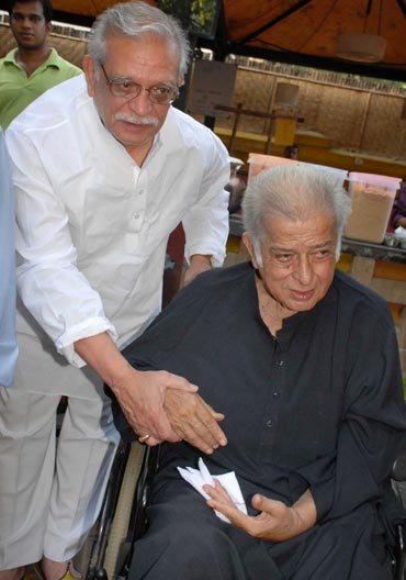 Gulzar and Shashi Kapoor