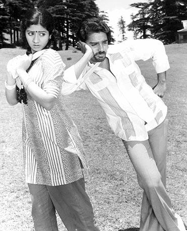 A still from Varumaiyin Niram Sivappu