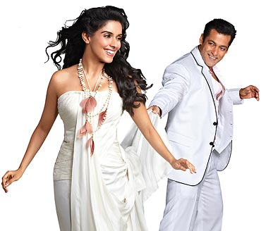 Asin and Salman Khan in Ready