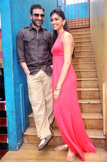 Saif Ali Khan and Deepika Padukone at the promotions of Aarakshan
