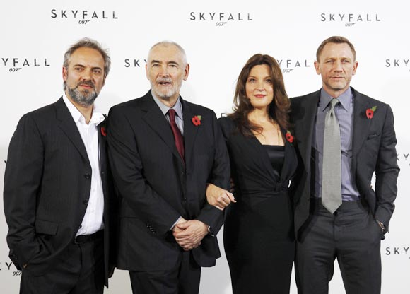 Sam Mendes and  Daniel Craig along with producers Barbara Broccoli and Michael G. Wilson