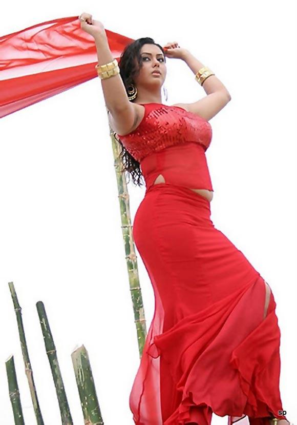 Namitha in Azhagana Ponnuthan
