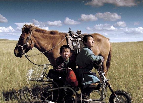 A scene from Lu Cao Di