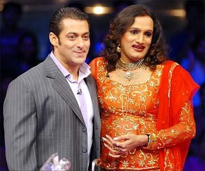 Laxmi Narayan Tripathi with Salman Khan on the sets of Dus Ka Dum
