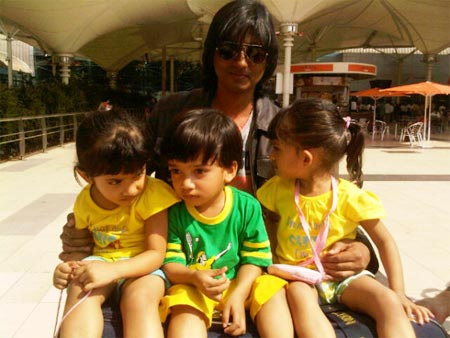 Shirish Kunder with his kids