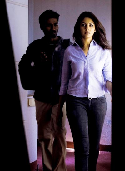 Dhanush and Richa in Mayakkam Enna