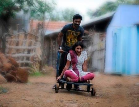 A scene from Mayakkam Enna