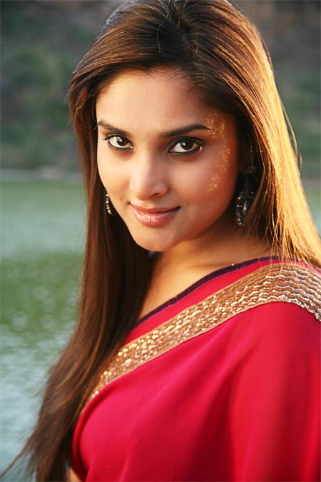 Kannada actress Ramya turns 29