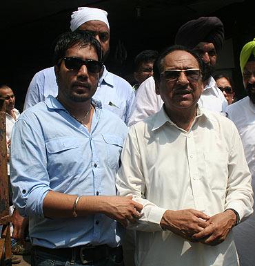 Mika and Ghulam Ali