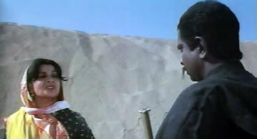 Sadashiv Amrapurkar with Sushma Seth in Elaan-E-Jung