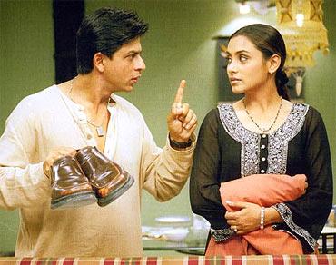 Shah Rukh with Rani Mukerji in Chalte Chalte