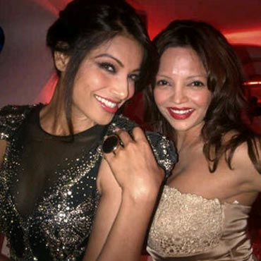 Bipasha Basu and Deanne Pandey