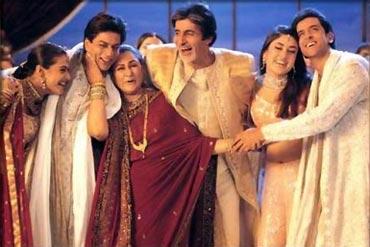 Shah Rukh Khan with Kajol, Jaya and Amitabh Bachchan, Kareena Kapoor and Hrithik Roshan in Kabhi Khushi Kabhi Gham